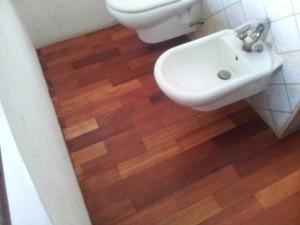 Podłoga w toalecie